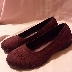 SKECHERS BURGUNDY SLIP-ON SHOES SIZE 7M